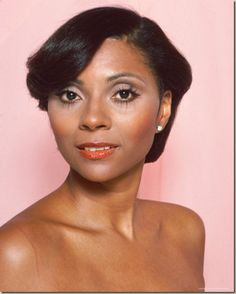 Leslie Uggams, an American actress and singer, known for her work in Hallelujah, Baby! and as Kizzy Reynolds in the 1977 television miniseries Roots. She is a member of Delta Sigma Theta sorority. Born: May 25, 1943, New York City, NY. Beautiful woman!!