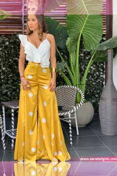 inspirational Ideas for western party outfit women jeans Women's Fashion Dresses, Hijab Fashion, Casual Dresses, Fashion 2020, Look Fashion, Fashion Design, Party Outfits For Women, Tropical Dress, Looks Chic
