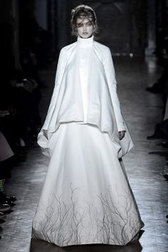 Gareth Pugh Fall 2013 Ready-to-Wear Fashion Show - Lindsey Wixson (Elite)
