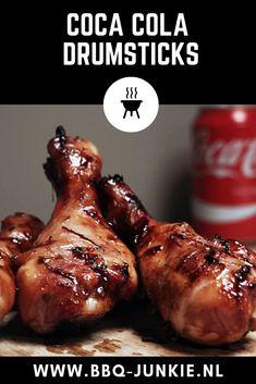 Ik had al wel vaker gelezen dat je BBQ saus kunt maken op basis van Cola. Ik was ook al een keer een recept tegen gekomen van een kip op colablikje. De bierblikkip, maar dan met cola zeg maar. Ik ging echter voor drumsticks, omdat dat iets makkelijker te bereiden is in combinatie met bijgerechten. Het werden dus kip drumsticks met een sticky Coca Cola saus. Heerlijk! #bbqrecept #kipcola #drumsticks #kip