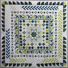 Ulrike Sarang quilt | Patchwork Gilde Austria | Seite 2 Medallion Quilt, Sampler Quilts, Border Ideas, Blanket, Robin, Fun, Quilting, Crafts, Victoria