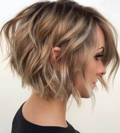 Bobs For Thin Hair, Short Hairstyles For Thick Hair, Haircuts For Fine Hair, Best Short Haircuts, Short Hair Cuts, Short Hair Styles, Bob Styles, Wavy Bobs, Wavy Hair