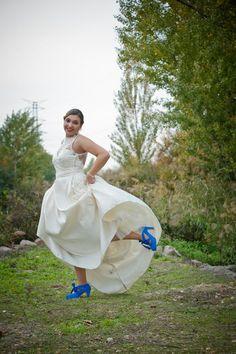 Algo azul...  #Luperamos #zapatoshechosamano #zapatospersonalizados www.luperamos.com luperamos@luperamos.com