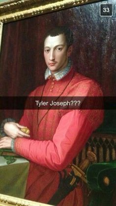 Tyler Joseph is that you...? ahahahahahha
