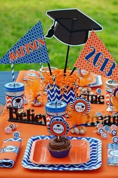 chalkboards and grad hat for centerpieces without balloons?