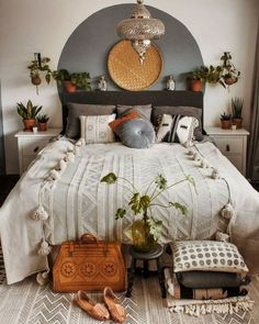 Modern Bohemian Bedroom Decor Ideas - Home Decoration Home Bedroom, Modern Bedroom, Bedroom Ideas, Master Bedroom, Eclectic Bedrooms, Contemporary Bedroom, Master Suite, Indie Bedroom, Bedroom Designs