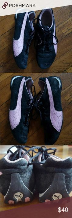 Puma Pink/Black Suede Sneakers SIZE 6.5 (37)  In great condition. As you can see, these have not been worn a handful of times and are still in great condition. These are one of Puma's best selling shoes and it is a stylish pair of sneakers that match with anything! The black is all suede and the pink is leather--great quality! They're comfortable and great for walking. These will not come with a box.  🚫🚫🚫🚫🚫🚫🚫 NO TRADES 🚫🚫🚫🚫🚫🚫🚫 Puma Shoes Sneakers