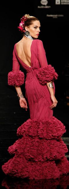 Sleeves Collection for fashion design Learner Dance Fashion, Fashion Show, Fashion Design, Beautiful Gowns, Beautiful Outfits, Special Dresses, Formal Dresses, Party Dresses, Flamenco Dancers