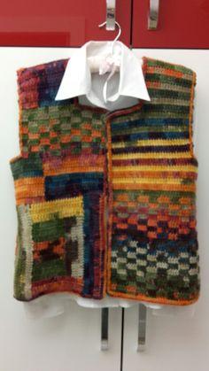 Crochet Waistcoat, Crochet Tunic, Freeform Crochet, Crochet Clothes, Crochet Lace, Crochet Stitches, Shawl Patterns, Knitting Patterns, Crochet Patterns For Beginners