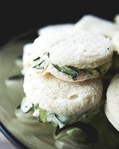 Creamy Cucumber Salad Sandwiches: These aren't your grandmother's tea-time sandwiches. Mint Recipes, Veggie Recipes, Cooking Recipes, Healthy Recipes, Quick Recipes, Cucumber Sandwiches, Salad Sandwich, Finger Sandwiches, Funeral Sandwiches