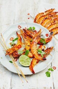 This Aussie barbecue seafood classic gets an Asian spice up with the addition of sweet chili sauce, chill, and ginger. Barbecued Prawns, Bbq Prawns, Aussie Christmas, Christmas Lunch, Christmas Recipes, Australian Christmas Food, Christmas Donuts, Summer Christmas, Christmas Cooking