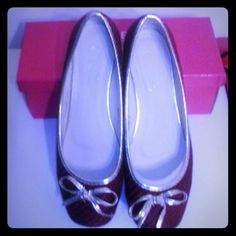 Red shoes for sale Red shoes are little worned. Used it more times than other shoes. Still have box. Look like new. Shoes