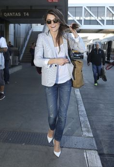Like this look? Keri Russell Wears this light blue blazer which looks a lot like CAbi's Beachwalk blazer. Click here to get it!! email me!!
