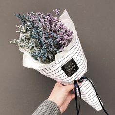 Wedding Flowers Wildflowers Flora Ideas For 2019 How To Wrap Flowers, Bunch Of Flowers, My Flower, Colorful Flowers, Dried Flowers, Beautiful Flowers, Orquideas Cymbidium, Flower Packaging, No Rain