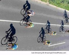 Photography at it's very BEST! Location: The cycling tracks of Le Tour De France! Cycling Art, Road Cycling, Cycling Bikes, Bike Photography, Creative Photography, Perspective Photography, Photography Topics, Shadow Photography, Photography Ideas