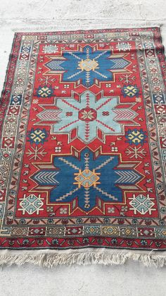 Antigue Caucasian Rug,from Azerbaican Derbent Area appx it is like 70-80 years old... full condition no repair.. ready to use at home or at the Office.. wool on wool combination colors are organic dye . dyed by turkish azrebaican villagers colorfull piece for living room or dining room perfect size 120x175 cm I will send it fast shiping by fedex ..and delivery will be 5 days max.. % 100 refund garanty after you receive the piece if you dont like it. you can return it back in 7 days..shiping…