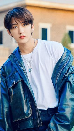 K Pop, Felix Stray Kids, Crazy Kids, Kids Wallpaper, Lee Know, Boyfriend Material, K Idols, South Korean Boy Band, Baby Photos