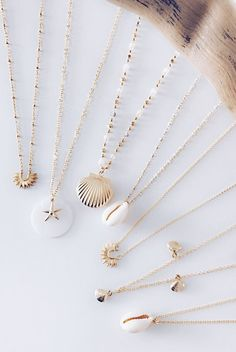 CHILL Collection A pretty gold-plated collection in the color of summer . - CHILL Collection A pretty gold-plated collection in the color of summer - Seashell Jewelry, Dainty Jewelry, Cute Jewelry, Jewelry Accessories, Fashion Accessories, Fashion Jewelry, Jewelry Design, Jewelry Box, Vintage Accessories