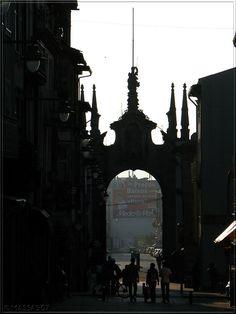 Braga por um... por uma Canon! - SkyscraperCity - belo Arco da Porta Nova,