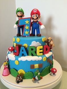 chloefaithcakes - Super Mario Cake - it was so much fun to create this cake!