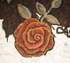 Improving the rose - Day 44 of Rug Hooking Primitive hooked rose with depth: Rug Hooking Designs, Rug Hooking Patterns, Rug Patterns, Room Size Rugs, Rug Inspiration, Hand Hooked Rugs, Wool Art, Braided Rugs, Penny Rugs