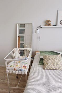 Bedroom and baby bed / Kotisaari