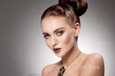 Headshot photo and lighting setup with Strobe, Softbox and Beauty Dish by Yurok Aleksandrovich on strobox.com
