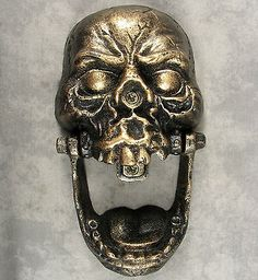 LARGE GOTHIC MEDIEVAL SKULL Cast Iron DOOR KNOCKER ~Burnished Gold over Black~