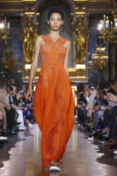 Stella Mccartney Ready To Wear Spring Summer 2016 Paris - NOWFASHION