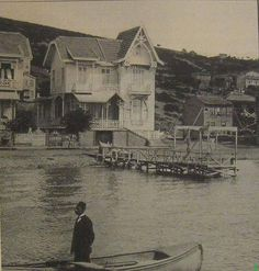 wow I know this house! Old Pictures, Old Photos, Istanbul Pictures, Turkey History, Greece History, Most Beautiful Cities, Ottoman Empire, Historical Pictures, Istanbul Turkey