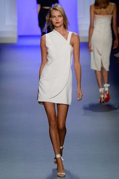 See the complete Cushnie et Ochs Spring 2017 Ready-to-Wear collection.