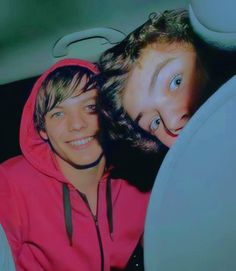 Four One Direction, One Direction Videos, One Direction Humor, One Direction Pictures, Larry Stylinson, Louis Tomilson, Best Love Stories, Louis And Harry, 1d And 5sos