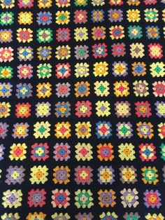 Granny Squares Afghan Blanket - Colorful and Bright by HautelAudubon on Etsy https://www.etsy.com/listing/454618510/granny-squares-afghan-blanket-colorful