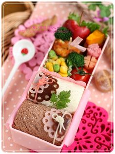 wrapping roll sandwich bento