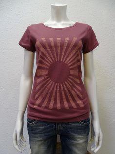 schönes T-Shirt Damen , Sun , berry , 100% Bio, 100% Fair und 100% vegan, von NATIVE SOULS