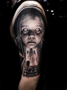 O estilo preto e cinza da tatuagem brasileira. - Black and Grey / Preto e Cinza - Dark Mark Tattoos, Evil Tattoos, Creepy Tattoos, Dark Tattoo, Badass Tattoos, Skull Tattoos, Body Art Tattoos, Hand Tattoos, Sleeve Tattoos