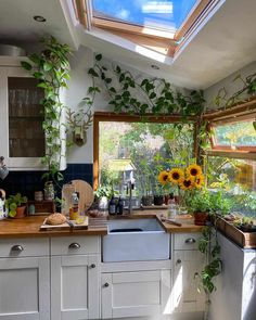 Home Decor Kitchen, Home Kitchens, Bohemian Kitchen Decor, Hippie Home Decor, Kitchen Interior, Bohemian Apartment Decor, Hippie Kitchen, Loft Apartment Decorating, Hippie House