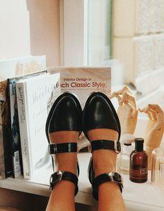 Black Caviar Sandals by INCH2.com