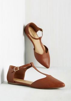 Sleek Around the Clock Flat. Keep your feet cozy and chic throughout the day by buckling into these chestnut brown flats. #brown #modcloth