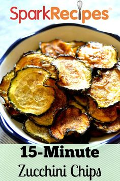 Zucchini Chips Recipe - Perfect snack for school lunches, after school or work snacks, or as a side dish with meals. Vegetable Dishes, Vegetable Recipes, Vegetarian Recipes, Cooking Recipes, Healthy Recipes, Vegetable Snacks, Healthy Baking, Zucchini Chips Recipe, Bake Zucchini
