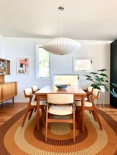 Dining Room — Post and Beam Living Mid Century Modern Living Room, Mid Century Dining, Mid Century Modern Decor, Mid Century House, Mid Century Rug, Retro Dining Rooms, Dining Room Design, Dining Room Modern, Teak Dining Table
