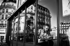 People and Daily Life in Paris by Skander Khlif