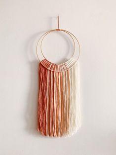 Yarn Wall Art, Yarn Wall Hanging, Wall Hangings, Diy Crochet Wall Hanging, Macrame Wall Hanging Patterns, Macrame Patterns, Macrame Art, Cricut, Yarn Crafts