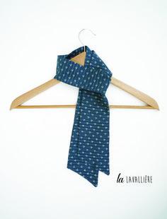 7f598a81bf9 lavallière foulard bleu noeud cravate pour femme   Echarpe