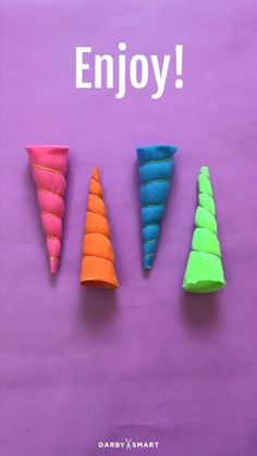 How to Turn Felt Into A Unicorn Horn. So doing this for a Bday craft! Felt Crafts, Diy And Crafts, Crafts For Kids, Unicorn Birthday Parties, Girl Birthday, Birthday Design, Unicorn Crafts, Diy Unicorn Costume, Unicorn Pinata