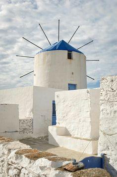 Windmill in Sifnos, Cyclades, Greece Mykonos, Santorini Greece, Santorini Island, Paros, Malta, Beautiful World, Beautiful Places, Travel Around The World, Around The Worlds
