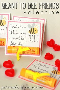 Meant to BEE Friends Valentine. Use Burts Bees Chapstick. This and 20 Frugal DIY Kids Valentines on Frugal Coupon Living. Kinder Valentines, Valentine Day Love, Valentine Day Crafts, Valentine Ideas, Minion Party, Gifs Ideas, Sant Patrick, Happy Hearts Day, Valentine's Day Printables