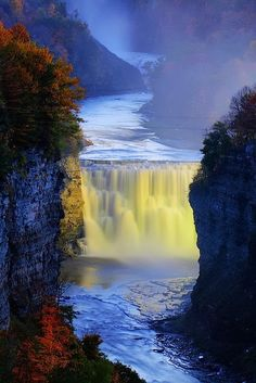 Letchworth State Parks Middle Falls on the Genesee River, Upstate NY