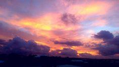 So this is happening right in front of me.... #bermudasunset #skyporn #electric #ahhbermuda #wearebermuda #igersbermuda#bermudadreaming #foreverBermuda #hilltop #warwick by mos_flow