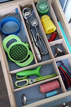 """How to make your own Removable Drawer Dividers to perfectly fit your drawer and the items in it.  Use 3"""" Oak Hobby Board from Home Depot.Glue together with construction adhesive caulk that dries clear - Loctite 2 in 1 Seal & Bond All Purpose"""